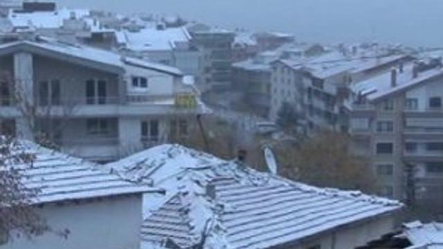 Ankara güne karla başladı