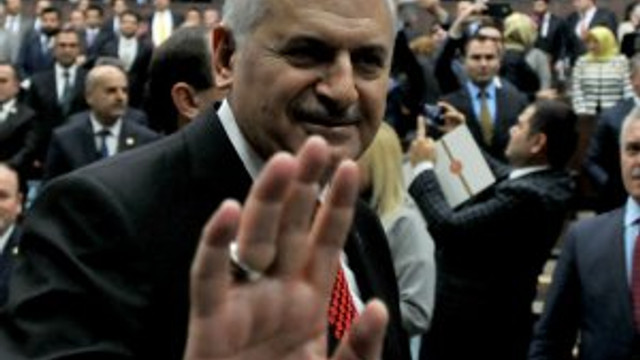 AK Parti'de teşkilatlara ''konuşmayın'' uyarısı