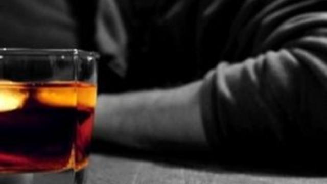 Alkolü fazla kaçıran vekiller kovuldu