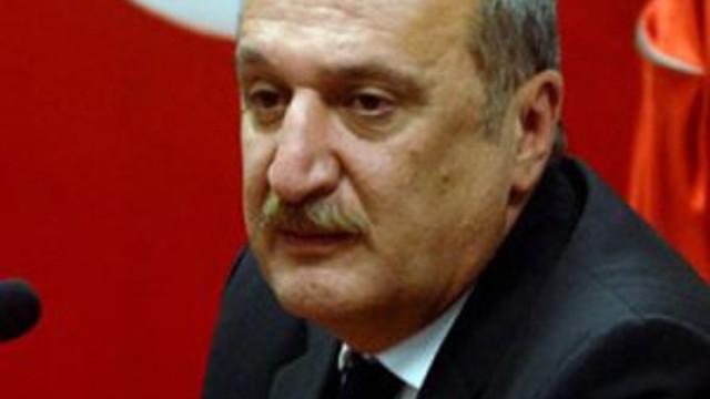 Ülkücülerin hedefinde Mehmet Ağar var