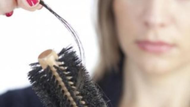 Saç dökülmesi hastalık işareti  .