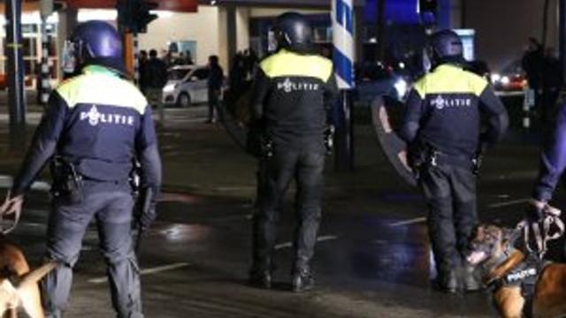 Hollanda polisine ateş izni verilmiş