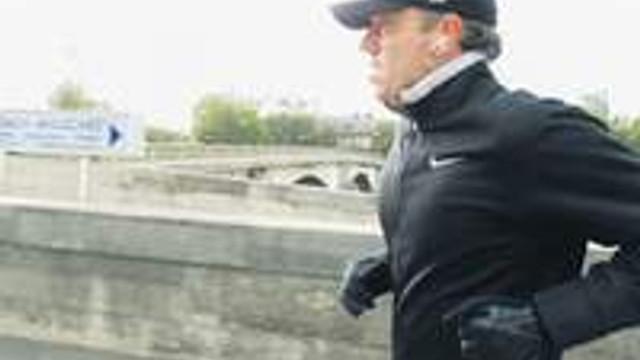 Fransız Uzan 'koşarken' yakalandı
