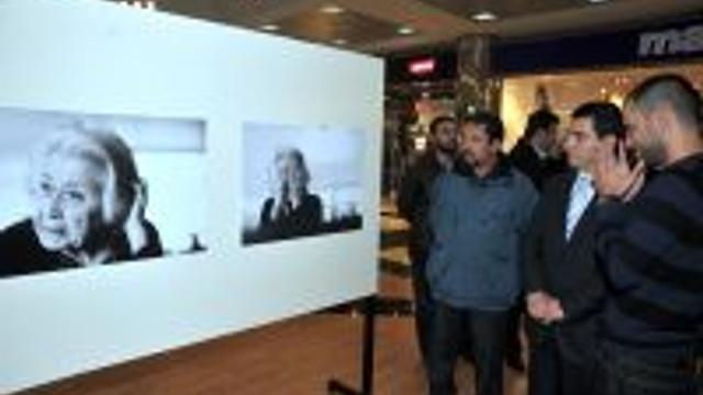 Başkan Tütüncü Fotoğraf Sergisini Açtı
