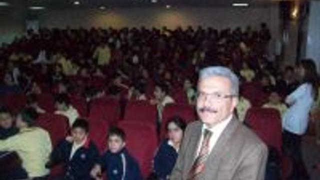 """Öğrencilere """"deprem Ve Korunma Yöntemleri"""" Konulu Konferans"""