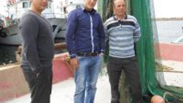 Yunan Sahil Güvenlik Botları Türk Balıkçıları Taciz Etti