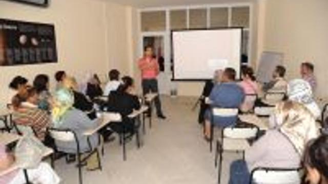 Anne Baba Okulu Eğitim Seminerleri Devam Ediyor