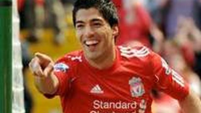 Suarez Liverpool'u uçurdu