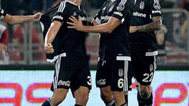 Mario Gomez Fenerbahçe'yi devirdi !