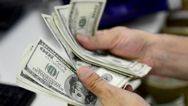 Dolar baş döndürüyor ! Yine alev aldı