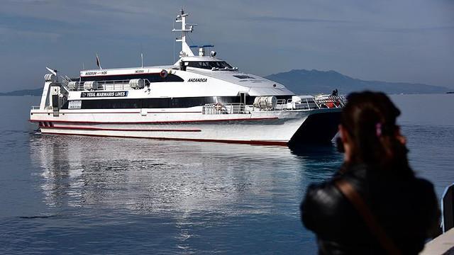 Bakan Yunanistan'da açıkladı ! Artık feribotlarla...