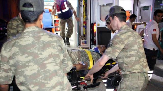 Askeri araç TIR ile çarpıştı: 4 asker ve 1 korucu yaralı
