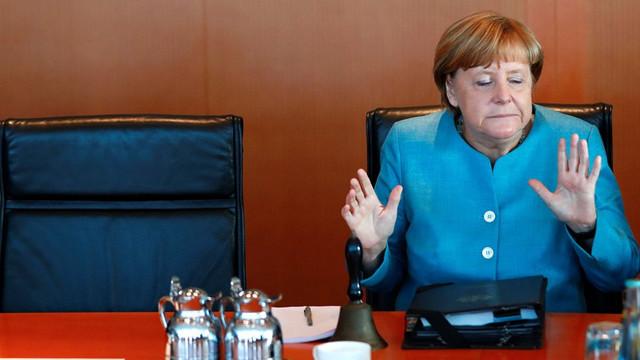 Türkiye'ye tehditler savuran Merkel bir anda döndü !