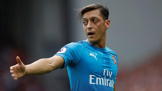 Arsenal taraftarından 'Mesun Özil' öfkesi