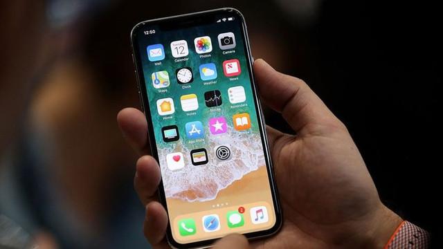 Apple 3 yeni iPhone tanıtacak