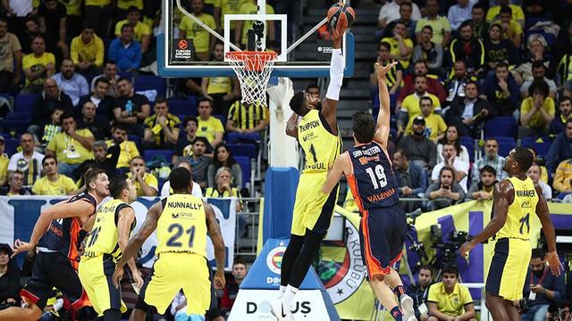 Fenerbahçe Doğuş'tan müthiş zafer !