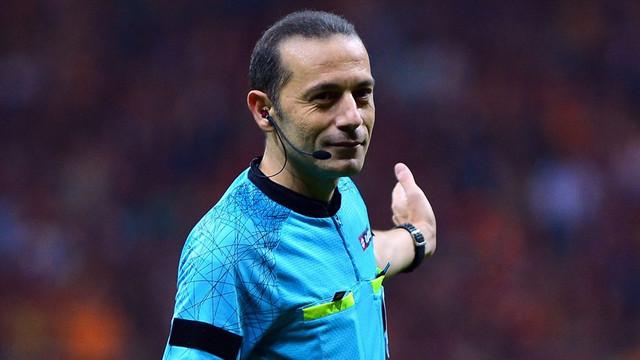 FIFA'dan Cüneyt Çakır'a görev