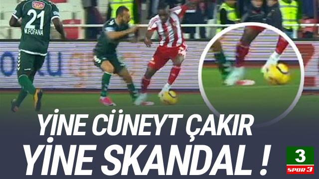 Yine Cüneyt Çakır yine skandal !