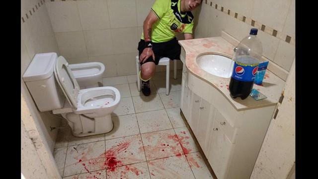 Arjantin'de futbol terörü ! Öldüresiye dayak...