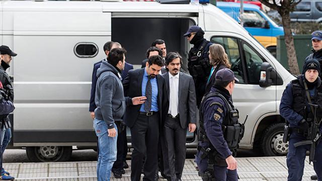 Yunanistan FETÖ'cü subayları iade edecek mi ?