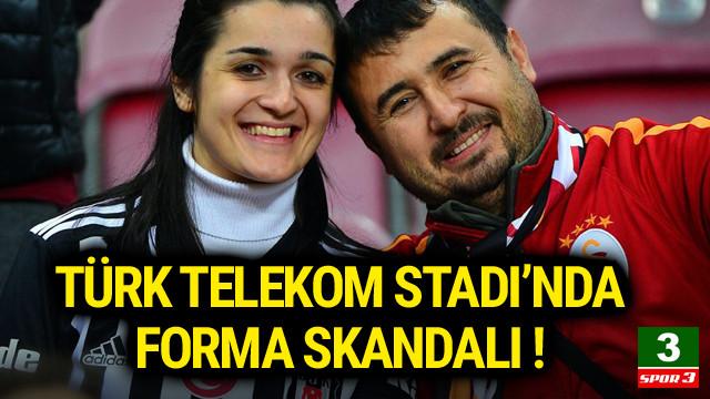 Beşiktaş formalı kadının forması çıkartıldı !