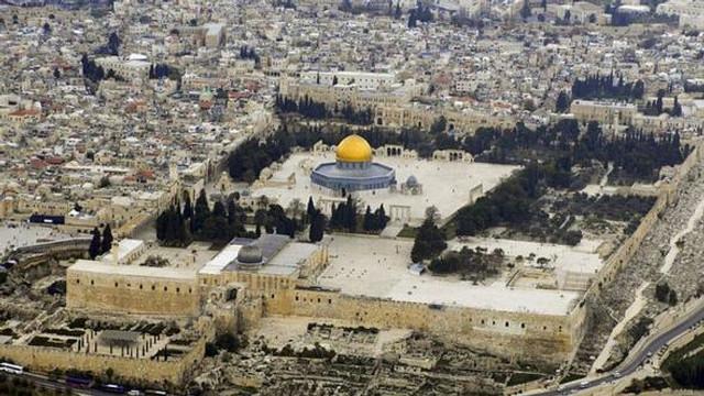 ''Fanatik Yahudiler Mescid-i Aksa'yı bastı''