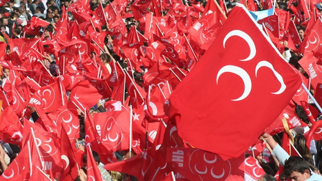 MHP'de peş peşe İYİ Parti istifaları