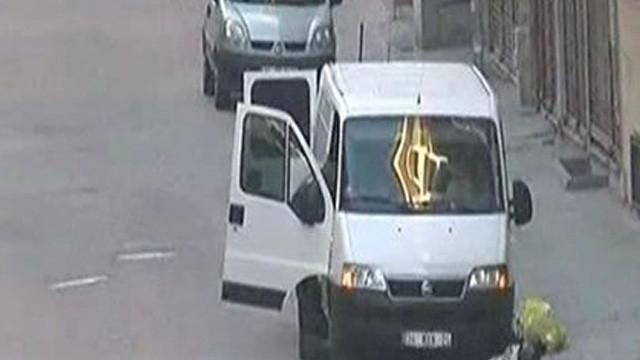 Şüpheli araçta bomba bulundu !