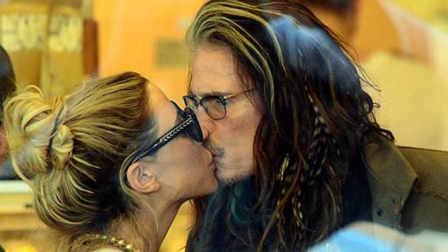 41 yaş küçük sevgili ile romantik anlar