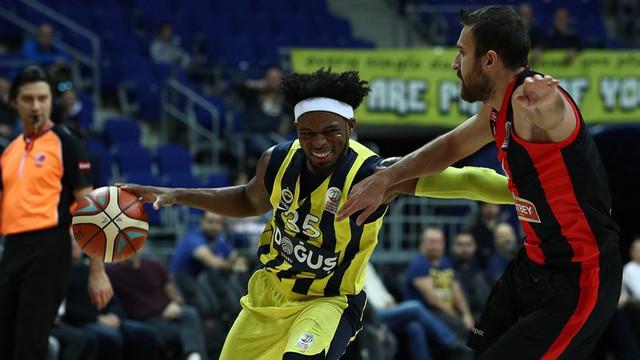 Fenerbahçe Doğuş potada lider !