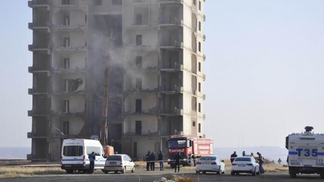 Diyarbakır'da Kırklar Dağı'ndaki lüks konutlar yıkılıyor