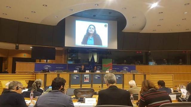 Avrupa Parlamentosu'nda skandal görüntü