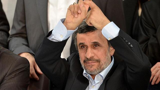 Ahmedinejad adaylık başvurusunda bulundu