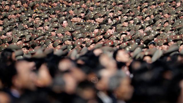 Kuzey Kore'de askerler başkente taşındı