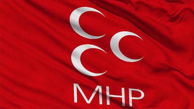 MHP'de toplu istifa