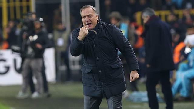 Advocaat'tan Sneijder'e özel önlem