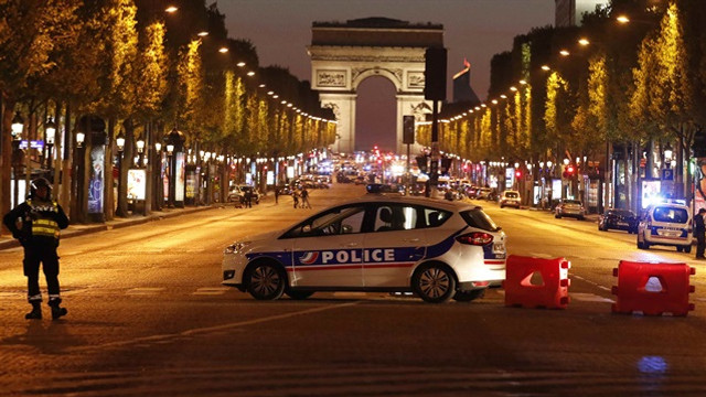 Paris'teki saldırı Türk müşavirliğini koruyan ekibe yapılmış