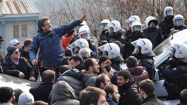 Hakkari'de gösteri ve yürüyüşler yasaklandı