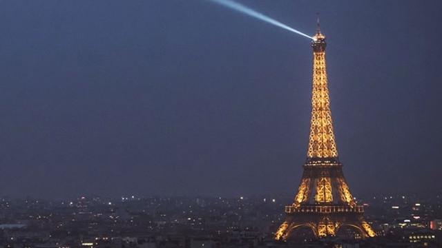 Paris saldırısıyla ilgili aranan kişi teslim oldu