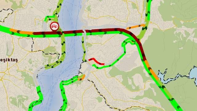 İstanbul'da büyük kaza; trafik kilit