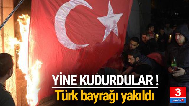 Çok çirkin görüntüler... Türk bayrağı yaktılar
