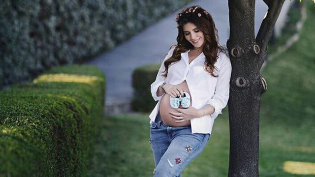 Hatice Şendil'den hamilelik pozları