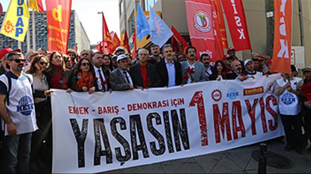Taksim'de 1 Mayıs 1977'deki olaylarda ölenler anıldı