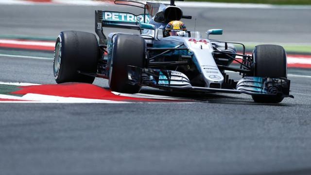 İspanya'da kazanan Hamilton