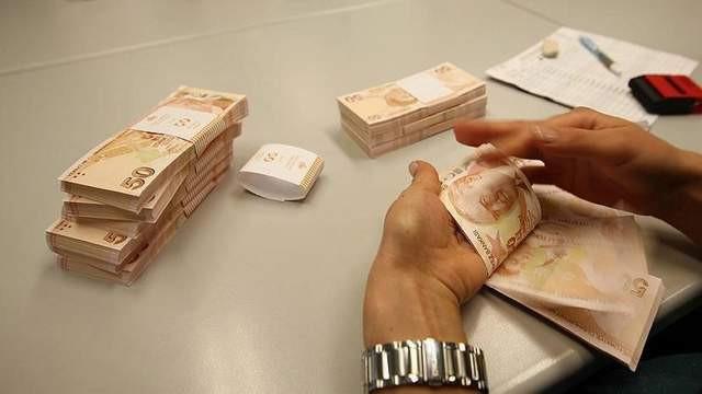 Yüzbinlerce emekliye 300 lira zam geliyor