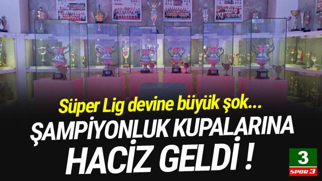 Trabzonspor'un şampiyonluk kupalarına haciz geldi