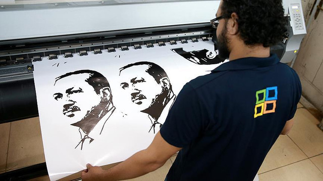Erdoğan o ülkede kahraman ilan edildi