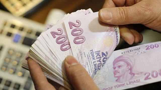 Borçlu sayısı arttı batık kredi patladı