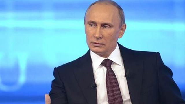 Putin'den soru soran gence sert yanıt