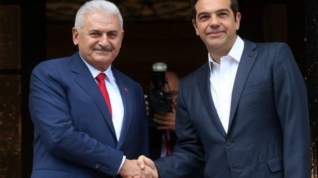 Başbakan Yıldırım'dan Çipras'a ''darbeci asker'' mesajı